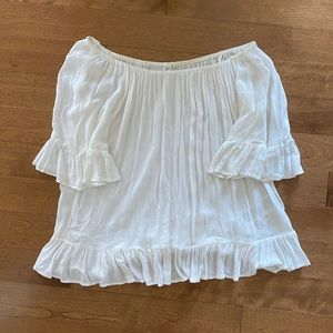 Off the shoulder white top 🤍*3 for $22*